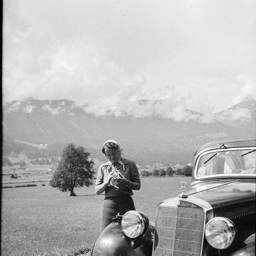 Auto-vor-Alpen